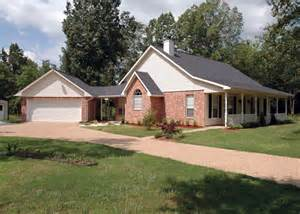 house plans with detached garage in back cedarwood country bungalow home plan 040d 0003 house