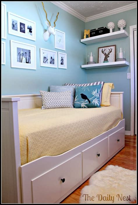 Spare Bedroom Decor by Best 25 Office Guest Bedrooms Ideas On Spare