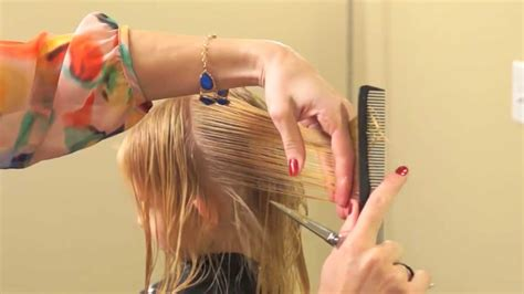 diy cutting a stacked haircut diy cutting a stacked haircut how to cut an a line bob
