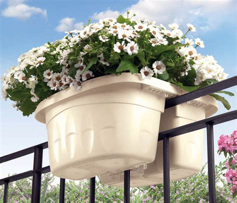 Metal Railing Planters by 45 Beautiful Fence Planters Decorate Your Garden Fence
