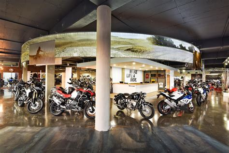 Bmw Motorrad Dealer Cape Town by Bmw Motorrad Launches Second Brand Concept Store In South