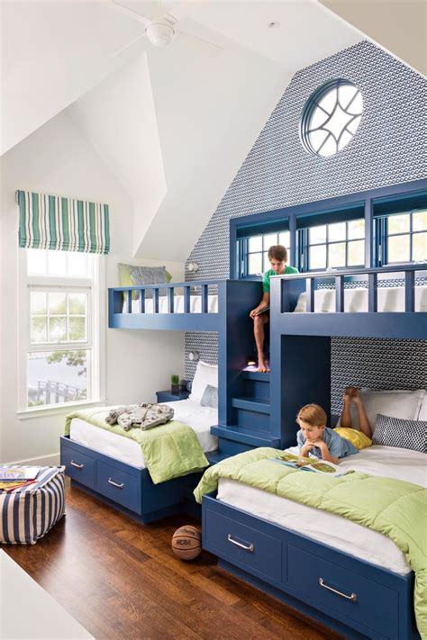 Bunk Bed Ideas For Small Rooms 17 Best Ideas About Bunk Bed Rooms On Pinterest Rustic Bunk Beds Bunk Rooms And Sleepover Room
