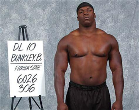 Vernon Davis Bench Press Tim Jernigan Incoming Freshman Weighs 300 Pounds
