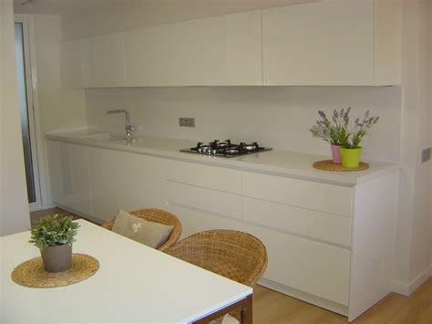 imagenes de cocinas integrales blancas especialistas en dise 241 o de cocinas blancas sobre cocinas