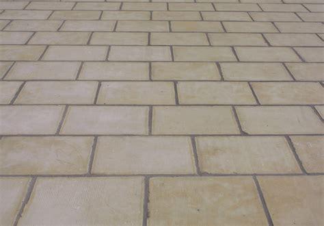 pavimenti pietra leccese pavimento in pietra leccese idee di design nella vostra casa