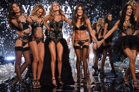 Victorias Secret Models Boogie On For Secret Garden Relaunch by How To Get The Of A S Secret In