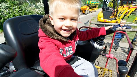 discount vouchers diggerland diggerland durham places to go lets go with the children