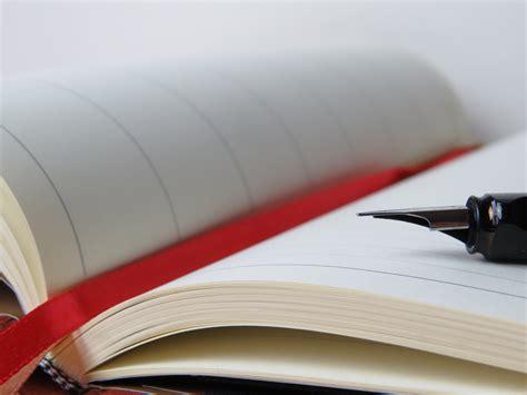 Beautycare Line Pulpen Meja Merah gambar 10 kreatif bersedekah kertas gambar buku di rebanas