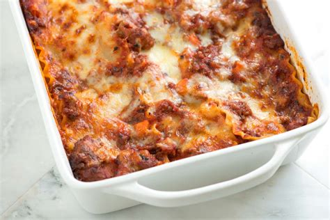 lasagna with ricotta cheese and italian sausage