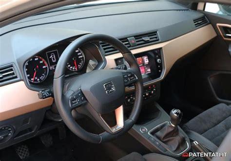 seat ibiza interni foto seat ibiza 1 0 ecotsi 2018 interni patentati