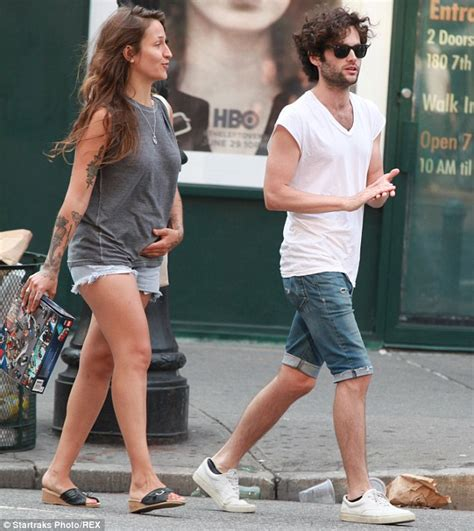 penn badgley and jemima kirke s sister domino grab lunch