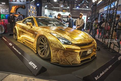 gold nissan car kuhl racing reveals gold plated nissan gt r at auto