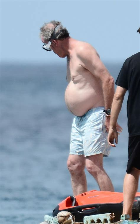 all celebrities on top gear jeremy clarkson flaunts belly on show with top gear