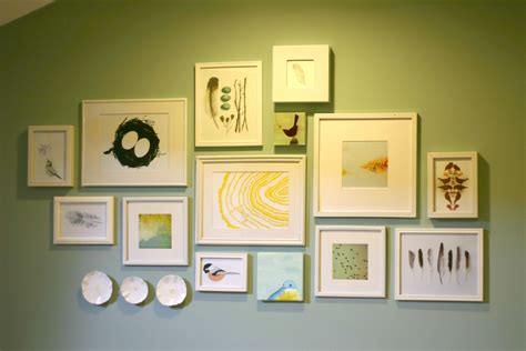 gallery wall art http ourhumbleabodeblog files wordpress com 2011 04 bird