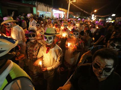 for day of the dead mexico city day of the dead 2016 pictures cbs news
