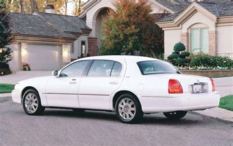 used 2003 lincoln town car for sale pricing features edmunds