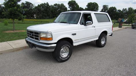 how cars engines work 1996 ford bronco electronic valve timing 1996 ford bronco xlt 5 0l removable top mecum auctions