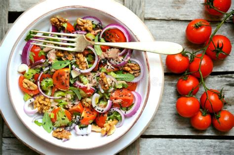Sesame Seed Detox by Detox Vegan Salad With Tomatoes Onions And