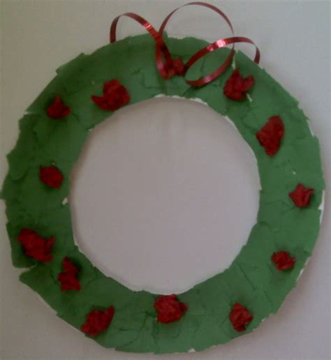 Paper Wreath Craft - crafts for preschoolers paper plate wreath