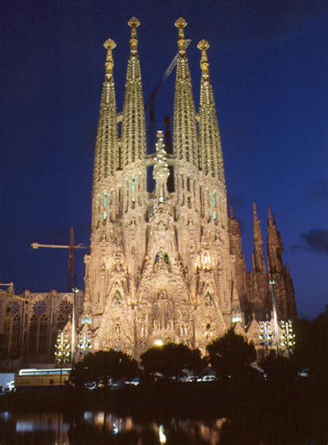 la sagrada de familia barcelona la sagrada familia masia vallfort