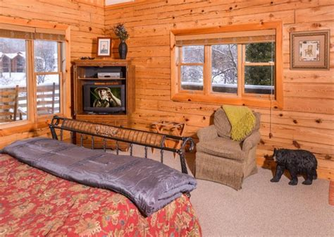 11 bedroom cabins in gatlinburg gatlinburg cabin rentals pop a bear