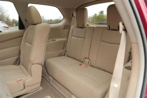 Ford Explorer Captains Chairs by Explorer With Captains Chairs 2013 Nissan Pathfinder Vs