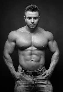 Muscle for Men: Leo Bartenev