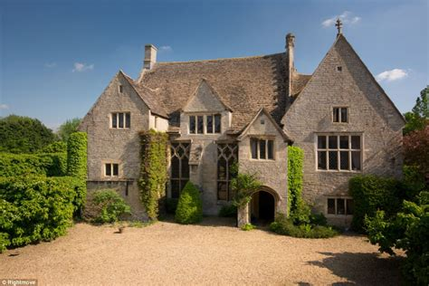 home fit for a who felled a king manor house oliver