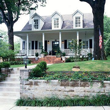 colonial house style characteristics exteriors housing styles explained gable roof and colonial