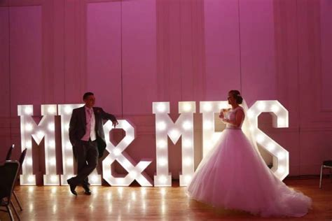 unique ideas unique wedding ideas from hollywood led letters giant