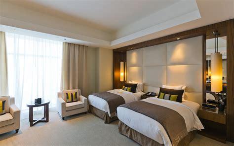 cia operatives  step hotel safety checklist