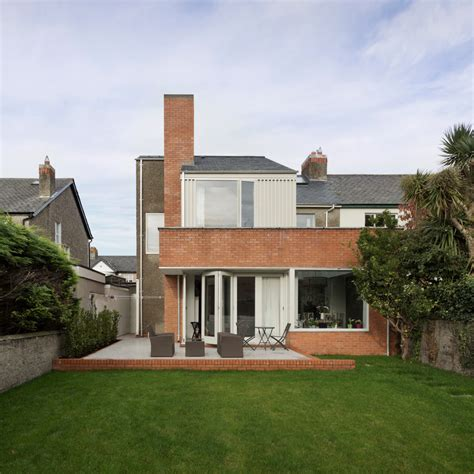 dublin house gkmp architects uses pebbledash brick and slate for dublin house extension studio