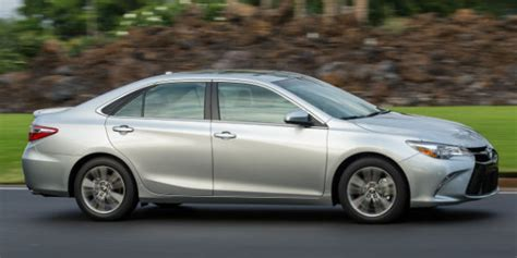 difference between toyota camry le and se differences between toyota camry le and toyota camry se