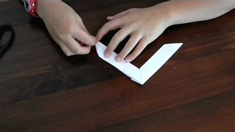 How Do You Make A Boomerang Out Of Paper - how to make an origami boomerang