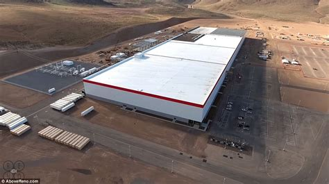 tesla gigafactory planned 2020 production of lithium ion cells slide china s lithium ion battery production plans outstrip