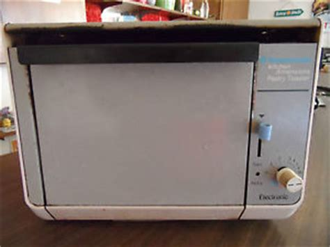Under Counter Toasters Toastmaster Kitchen Dimensions Under Cabinet Pastry