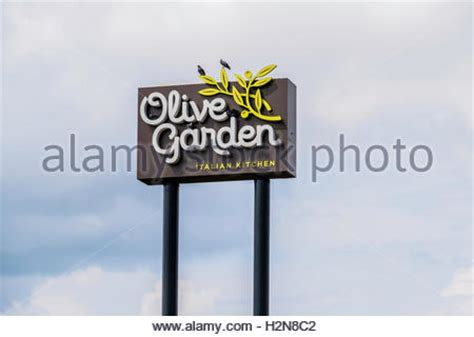 944de93a8441638be19791cfab4f99f7b81a9ffd exceptional olive garden novi michigan 2 a pole sign of - Olive Garden Novi