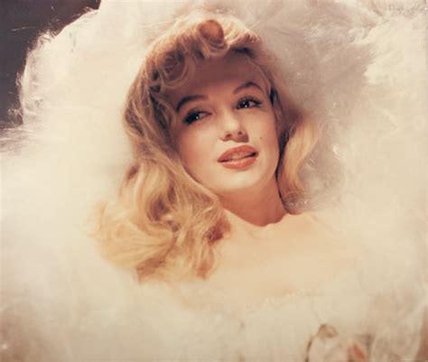 hair and makeup on deceased death photos of celebrities 2013 marilyn monroe death photos