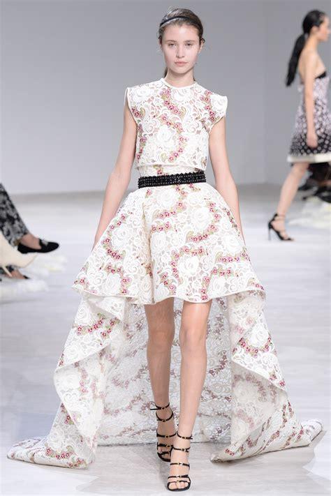 Fashion Week Giambattista Valli Valentino by Giambattista Valli 2016 Collection Couture Mikado