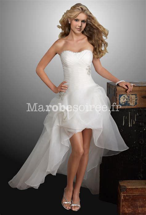 Robe de mariée Amandine avec traîne asymetrique bustier plissé
