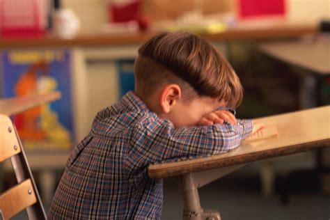 mal di testa al mattino rientro a scuola e mal di testa prevenire con l idratazione