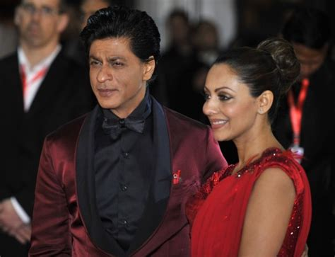 srk wife gauri khan biography shah rukh and other guests attend gauri khan s cocktail