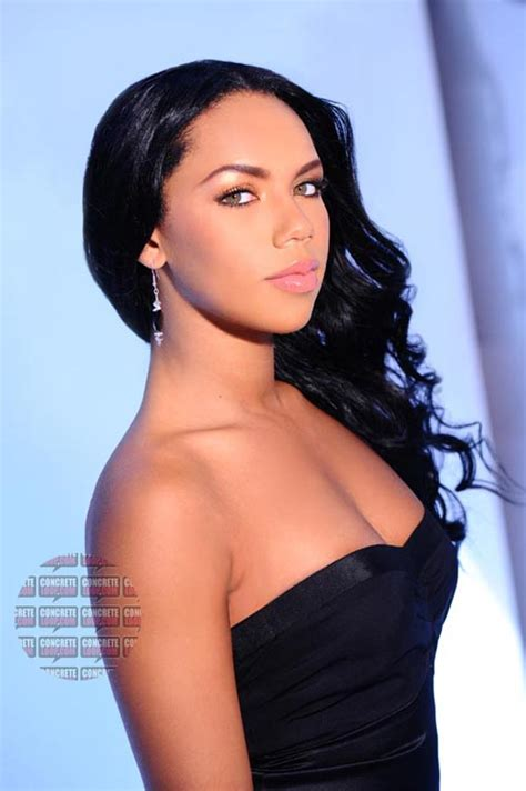 Kiely Williams Hairstyles   Vissa Studios