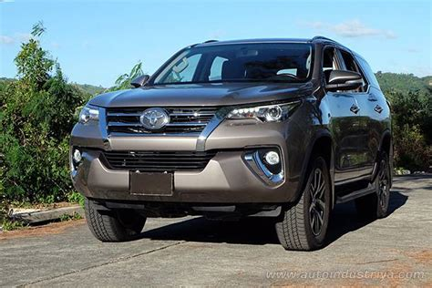 2016 toyota fortuner g 2 4 a t 2016 toyota fortuner 2 4 g 4x2 mt new car buyer s guide