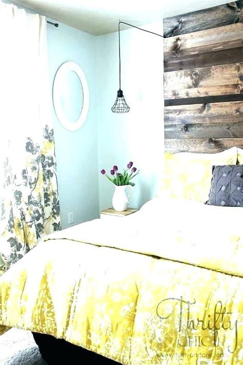 Yellow Gray White Bedroom by Yellow And Grey Bedroom Grey White And Yellow Bedroom Grey