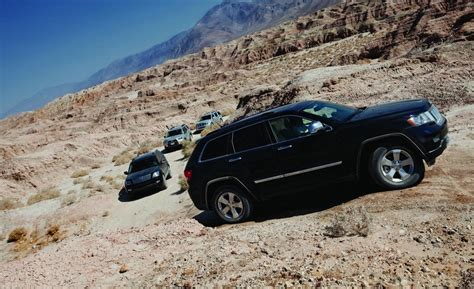 kia jeep 2010 jeep grand cherokee vs kia borrego nissan pathfinder