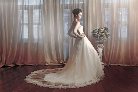 different shapes of wedding dresses wedding gowns for different shapes beautiful