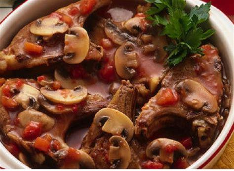 ricette per cucinare agnello agnello con funghi in casseruola ricetta originale