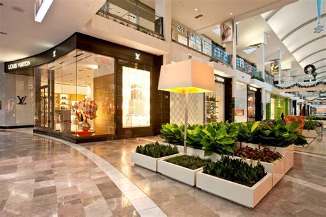 Garden State Mall Makeup Installations Benchmark Design