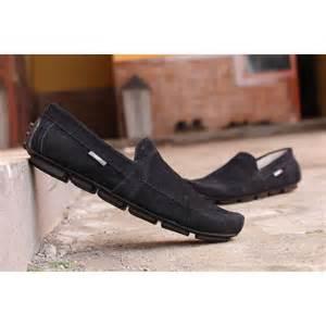 Sepatu Clarks Boots Hitam harga sepatu clarks terbaru gentandjawns